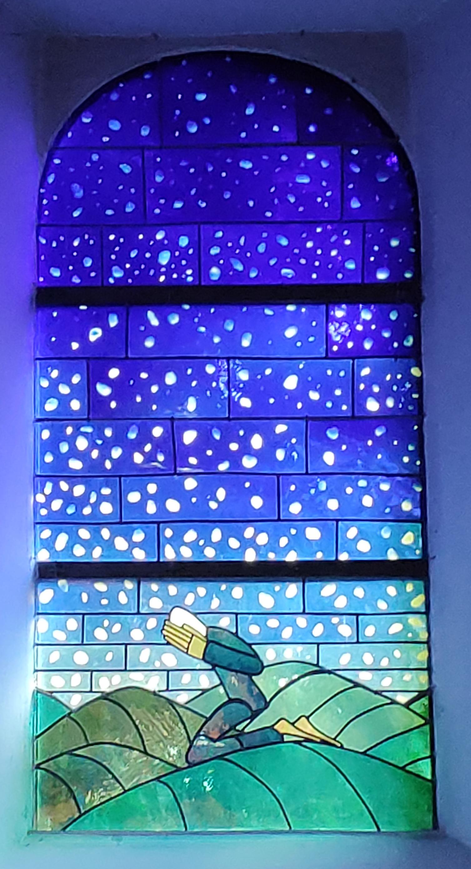 Les vitraux de Folon à Waha